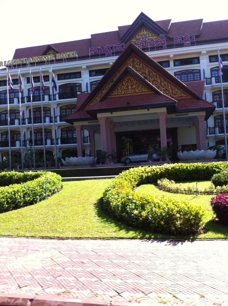 um dos vários hotéis de luxo de Siem Reap