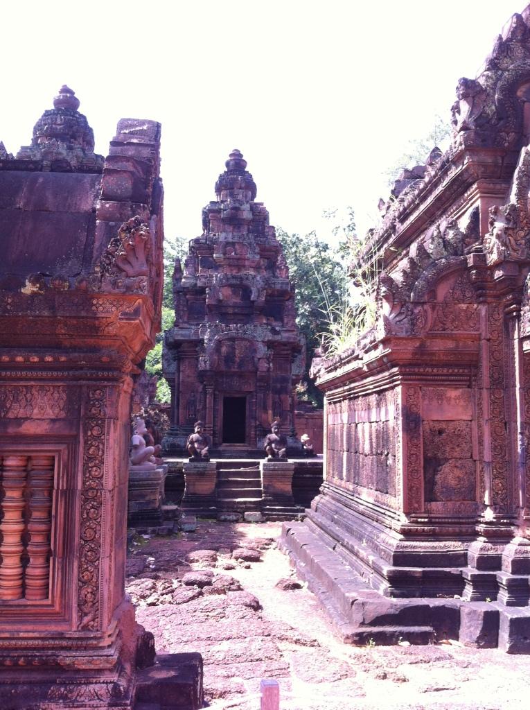 Interior do Templo de Banteay Srei