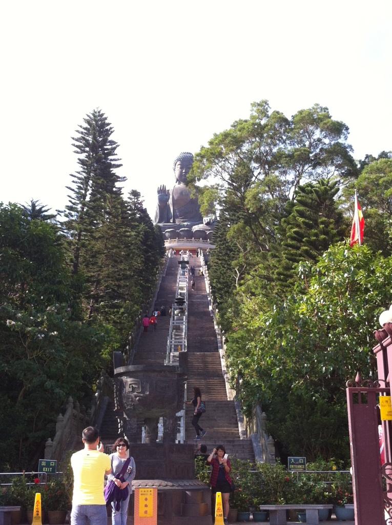 Escadarias para chegar ao Buda Gigante
