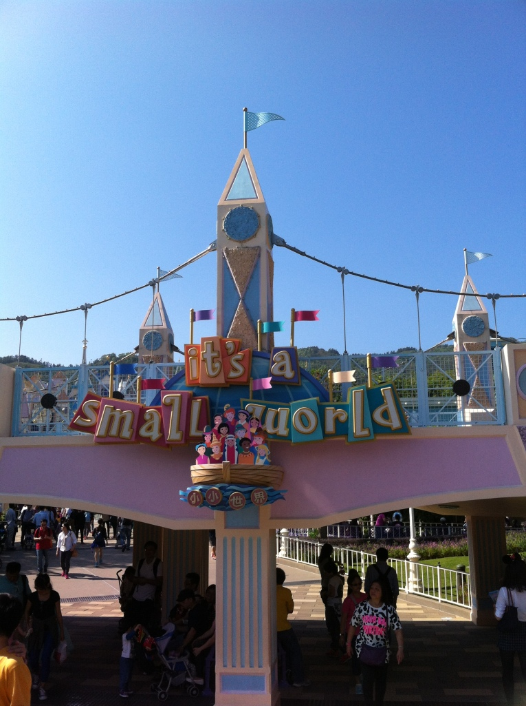 Small World, meu favorito.