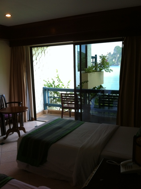 Quarto do Phi Phi Cabana Resort.