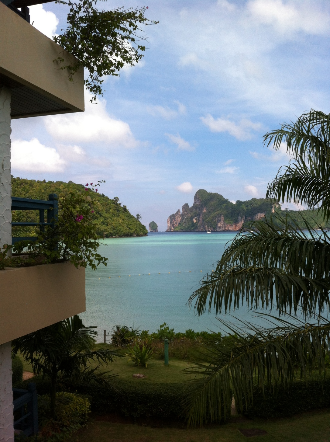 Vista do quarto do Phi Phi Cabana Resort.