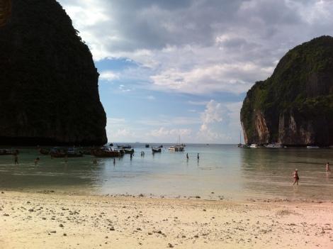 Maré baixa em Maya Bay.