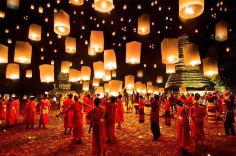 Loy-Krathong-Yee-Peng-Festival-Chiang-Mai