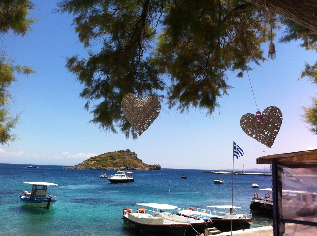 Praia de Ag. Nikolaos onde fui obrigada a esperar a tarde toda :-)