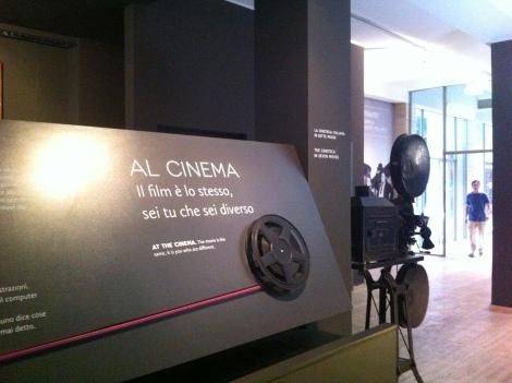 Entrada do Museu de Cinema.