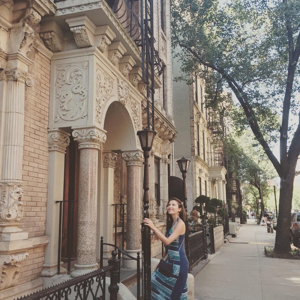 Buscando inspiração no Brooklyn para parar de entrar em restaurantes e continuar a caminhada.