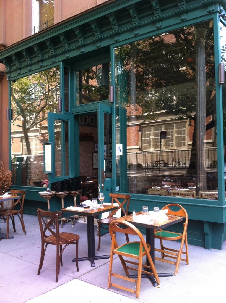 Restaurante Libertador (400 Henry St)